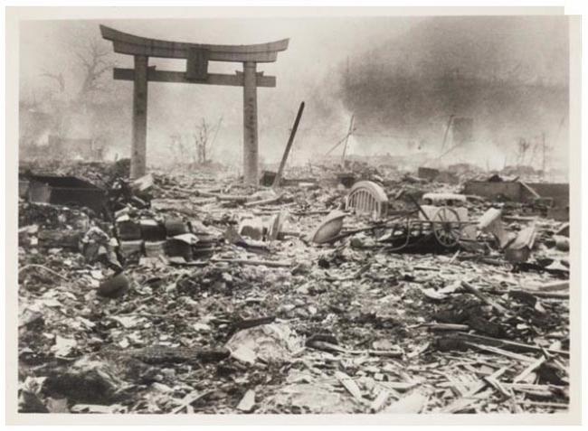 Han aparecido fotografías inéditas tomadas un día después de la bomba atómica de Nagasaki