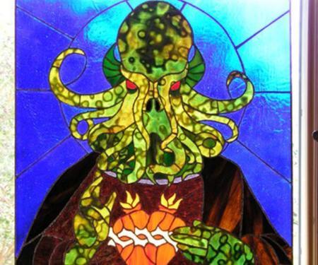 Culto a Cthulhu: aborrecibles vitrales lovecraftianos