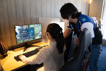 Abren en Japón un gimnasio para eSports: PCs gaming y entrenadores personales para mejorar en 'Valorant' o 'LoL'