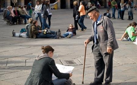 El gasto de los turistas españoles que viajan al extranjero baja a niveles del año 2005