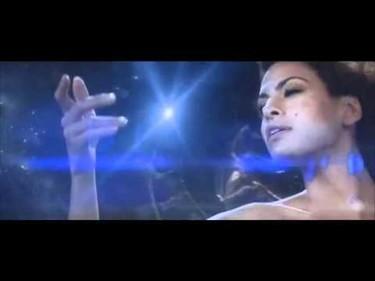 Desvelamos el talento oculto de Eva Mendes: canta como los ángeles