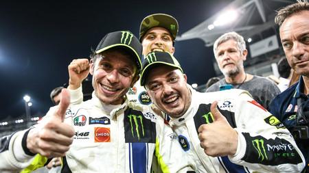 El espectacular vídeo que nos muestra cómo vivió Valentino Rossi su victoria en las 12 horas del Golfo