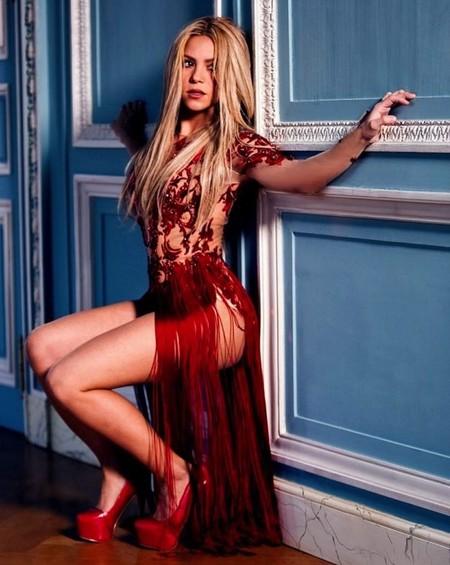 Shakira tiene vetado lo de refrotarse con maromos en sus vídeos