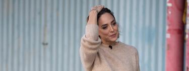 Tamara Falcó luce el look de invierno que nunca falla: jersey calentito + pantalones de cuero