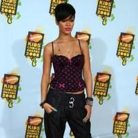 El look de Rihanna en los Kid Choice Awards