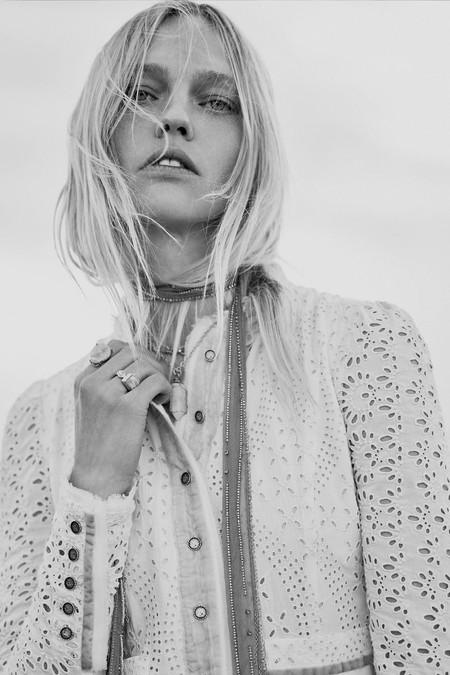 Sasha Pivovarova es la encargada de hacernos soñar con la nueva colección en edición limitada de Zara