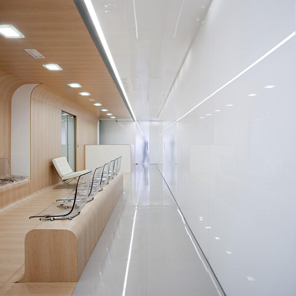 Foto de Una clínica dental aséptica y futurista (11/15)