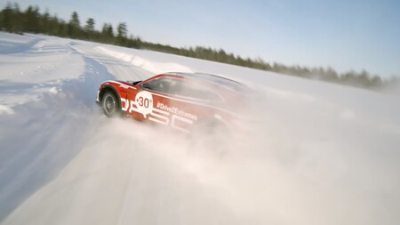 Porsche Taycan Cross Turismo Dron Johnny Fpv 1
