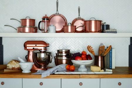 El cobre y la madera se instalan en nuestras cocinas y comedores con la nueva colección de otoño de Crate & Barrel