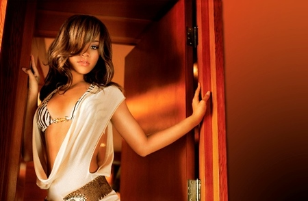 Rihanna teme por la posible aparición de un vídeo muy íntimo