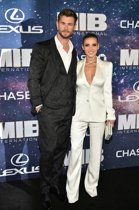 Enfundado En Negro Chris Hemsworth Falla Con Su Look En La Premiere De Men In Black En Nueva York 3