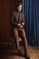 Massimo Dutti nos viste de pana y ante en su lookbook de diciembre