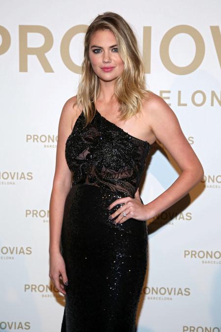 Ana Boyer y Kate Upton encabezan la lista de las mejor vestidas al desfile de Pronovias