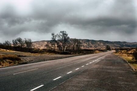 """El """"material de Dios"""" llega a las carreteras: Reino Unido asfaltará una carretera con grafeno para aumentar su vida útil"""