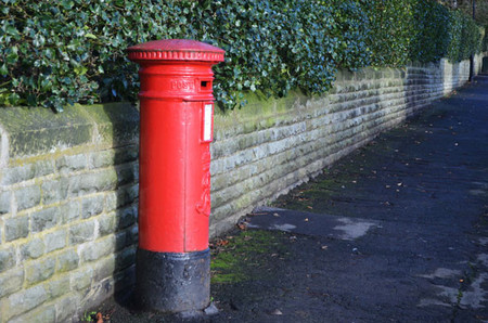 [Vídeo] ¿Qué sucede cuando envías algo por correo?