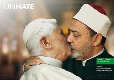 Los besos polémicos de Benetton: el Papa, Obama, Sarkozy, Chavez...