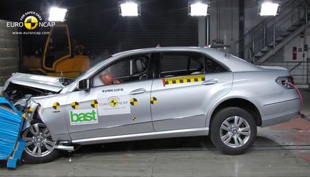 Mercedes-Benz E 220 CDI euroncap