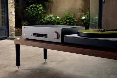 Cambridge Audio anuncia sus nuevos equipos: dos amplificadores, dos reproductores de CD y una apuesta por el audio en streaming