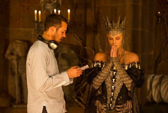 Rupert Sanders y Charlize Theron durante el rodaje de la película