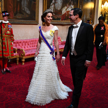 Kate Middleton se viste de princesa en honor a los Trump y luce la tiara preferida de Lady Di