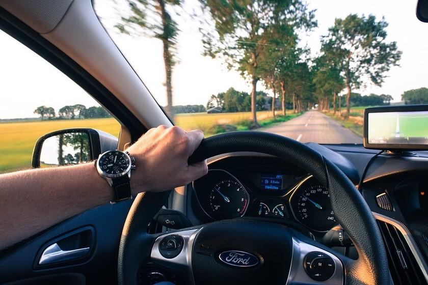 Esta aseguradora estadounidense usa el móvil de sus clientes para saber si conducen bien y hacerles descuentos
