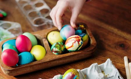 17 ideas fáciles, bonitas y divertidas para decorar huevos de Pascua con los niños