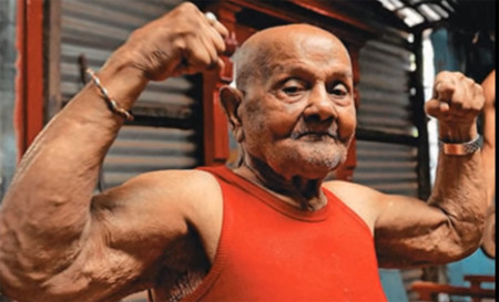 Manohar Aich, el bodybuilder de casi 102 años de edad