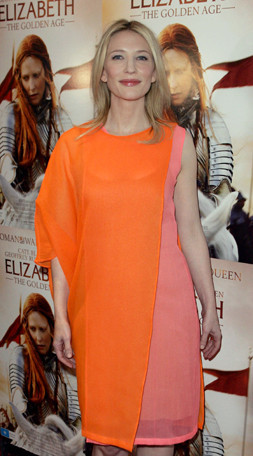 Cate Blanchett en la première de Elizabeth: The Golden Age en Australia