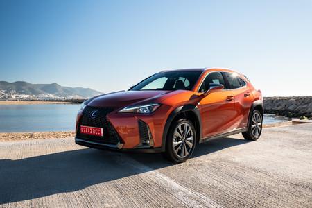Manejamos el Lexus UX, el crossover híbrido que rodará en México en 2021