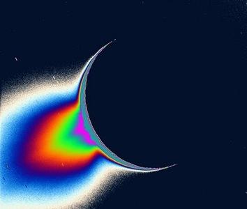 Nuevas pruebas de la existencia de agua liquida en Encelado