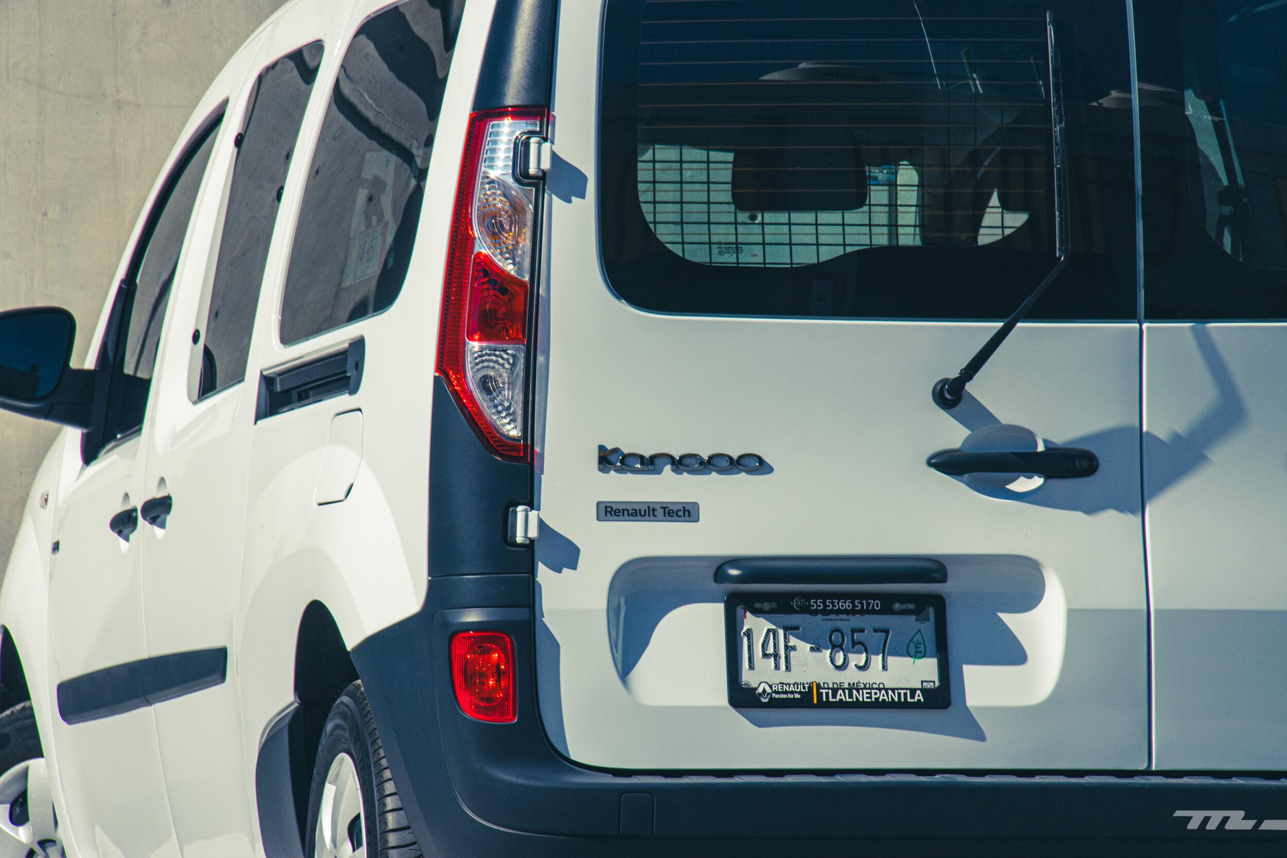 Foto de Renault Kango Z.E. Maxi 5 pasajeros (15/29)