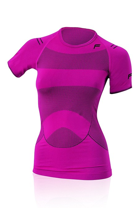 8 camisetas de running para mujer en Amazon rebajadas hasta un 40%. Envío gratis