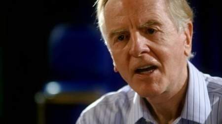 John Sculley, ex-CEO de Apple, opina que Apple debería rehacer su forma de producir el iPhone