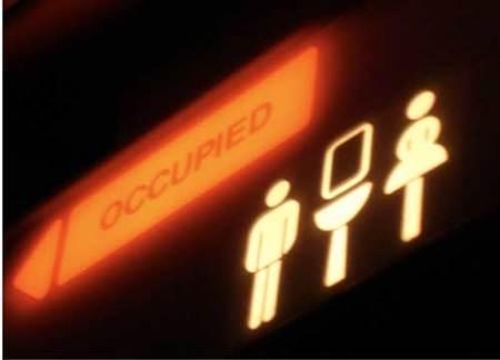 ¿Tendremos que pagar por ir al baño en un avión? Ryanair dice que sí