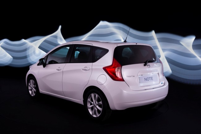 Nissan Note trasera