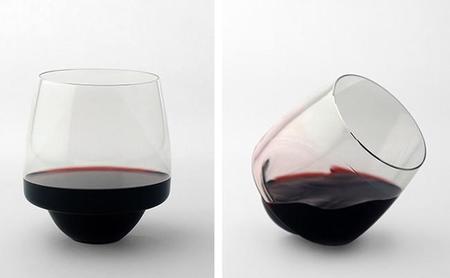 The Saturn, la copa de vino que nunca se voltea