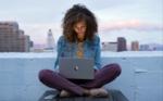 Adiós a la manzana retroiluminada de los MacBook