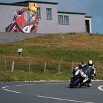 Así de bien suena la KTM 1290 Super Duke GT en la Isla de Man ¡pilotada por Michael Rutter!