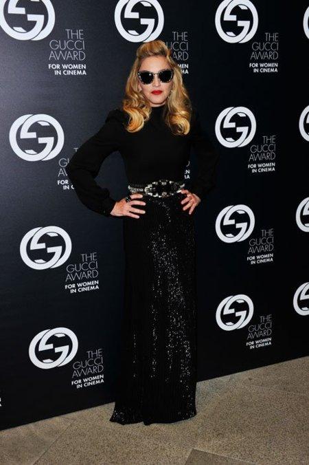 Premios Gucci en el Festival de Venecia: total black