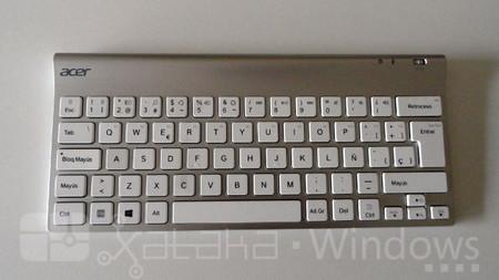 Acer Iconia W700, teclado