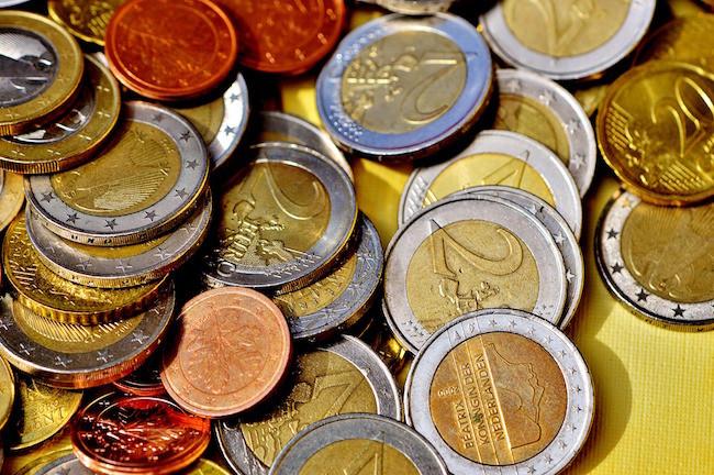 Hasta medio euro(eur) por minuto: la CNMC se ofrece acabar con el abuso de los 902
