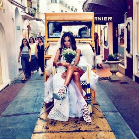 Erica Pelosini, la sexy ex-asistente de Anna dello Russo se casa en Capri por todo lo alto