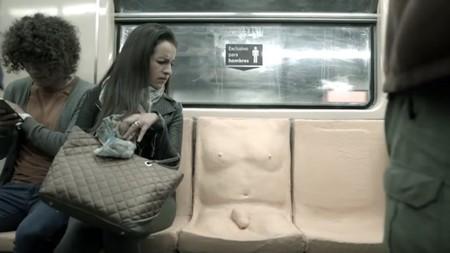 Un asiento con pene es el arma que usará la Ciudad de México para combatir el acoso sexual