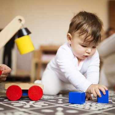 Juguetes recomendados para cada edad: bebés de 0 a 12 meses