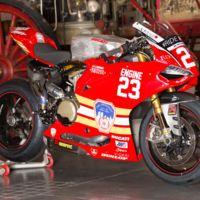 Este el emotivo gesto del #RideHVMC Freeman Racing Ducati, por los bomberos caídos el 11-S