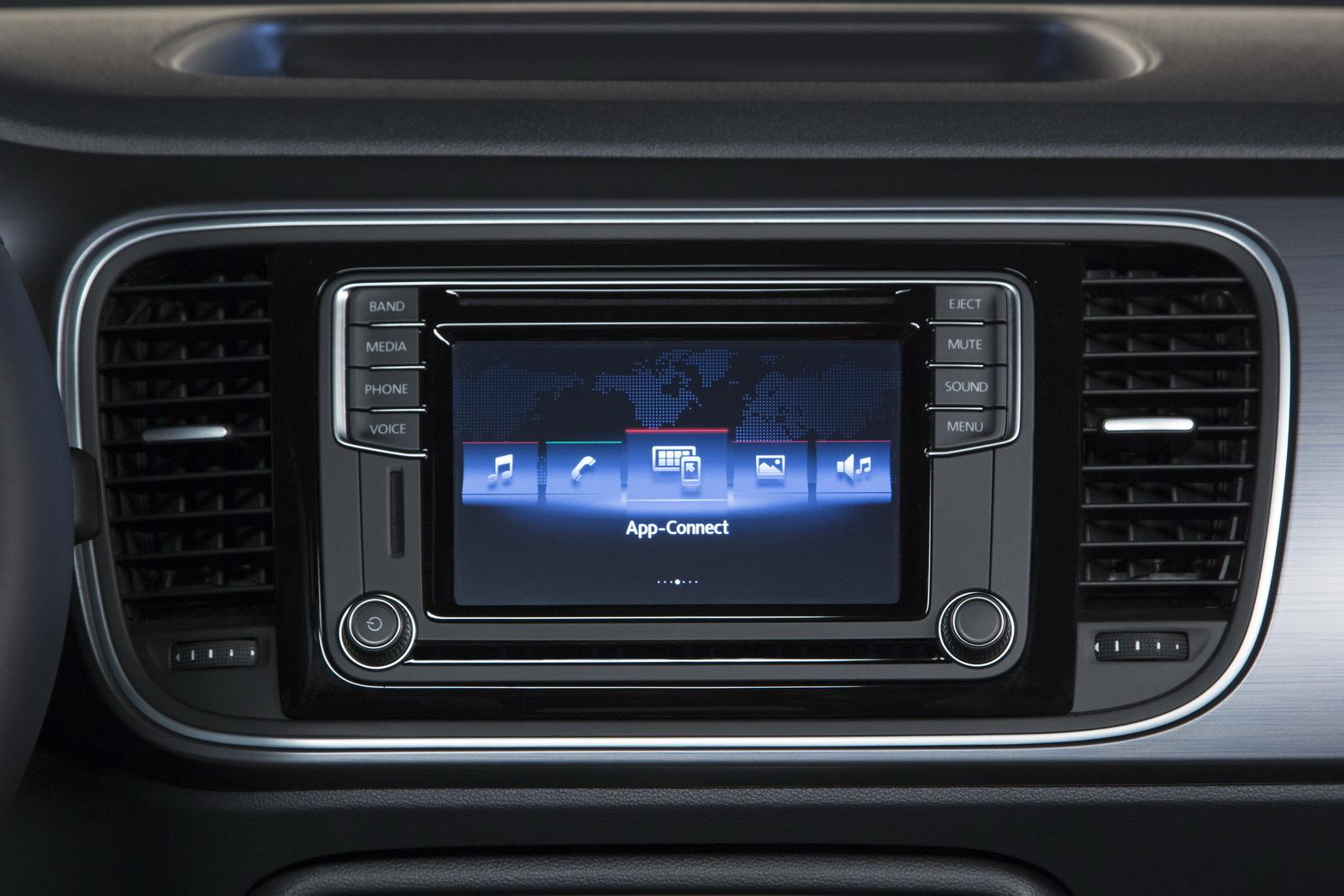 Foto de Volkswagen Beetle Cabrio Denim Edition (17/17)