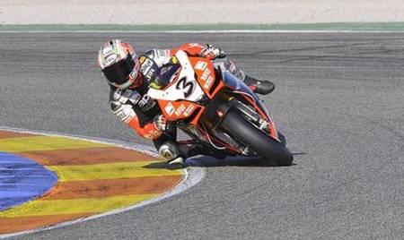 Max Biaggi el más rápido de los entrenamientos en Valencia