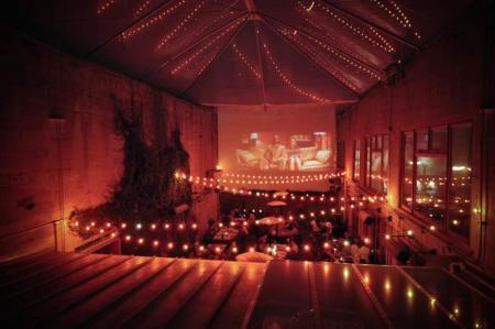 En San Francisco se cena en un cine al aire libre: Foreign Cinema