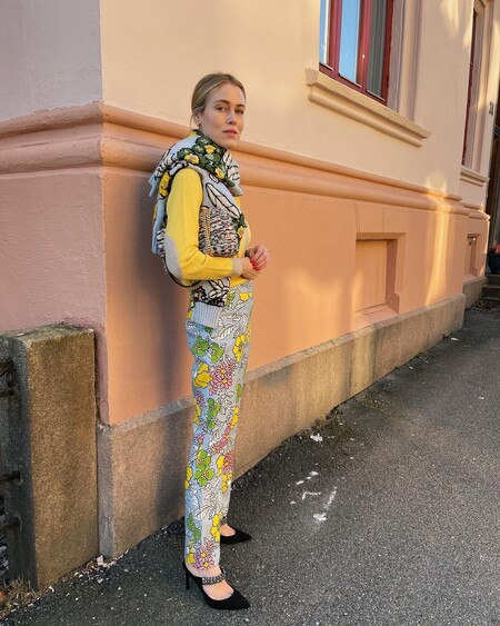 https://www.vogue.es/moda/articulos/burberry-prefall-2021-tendencias-colores-verde-militar-moda-utilitaria