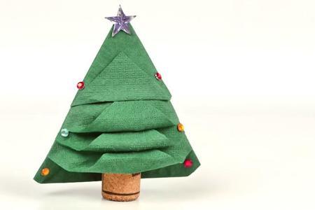 Cmo doblar servilletas con forma de rbol de Navidad